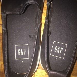 GAP Shoes - Leather slip- on sneakers